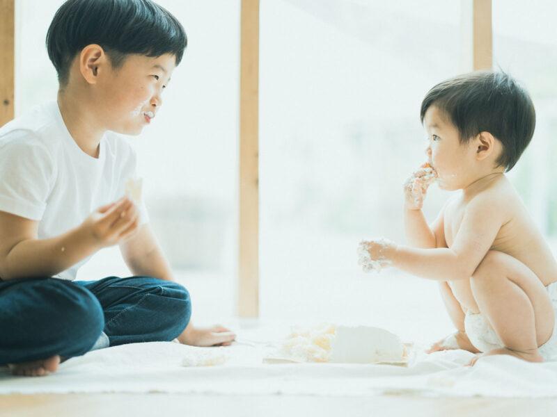 1歳バースデーフォト、げんきくん!スマッシュケーキ、兄弟で