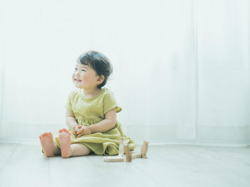 2歳バースデーフォト、りのちゃん!積み木