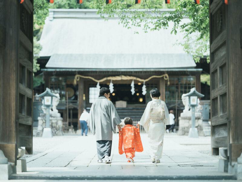3歳七五三、宇都宮二荒山神社ロケ、あかりちゃん!家族写真、後ろ姿