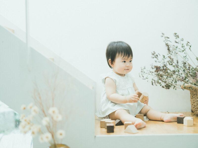 1歳バースデーフォト、えまちゃん!積み木