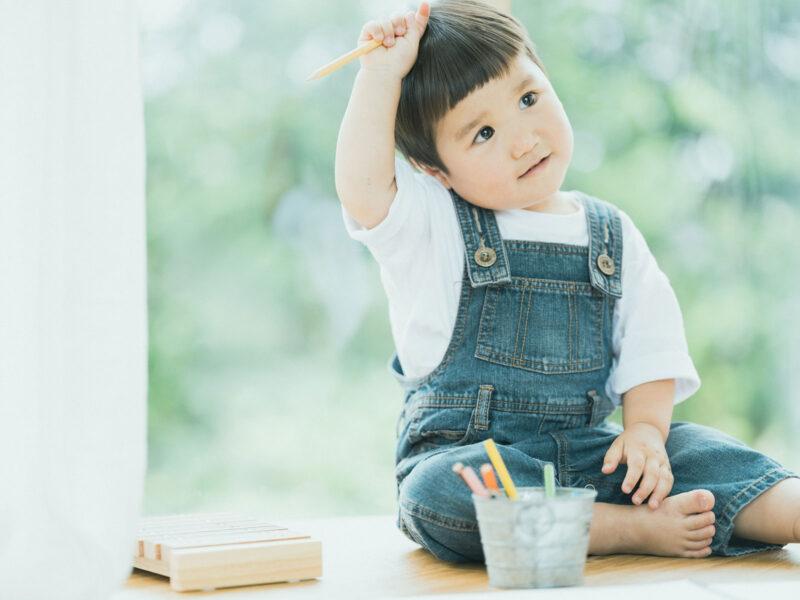 2歳バースデーフォト、はるとくん!お絵かき、可愛い