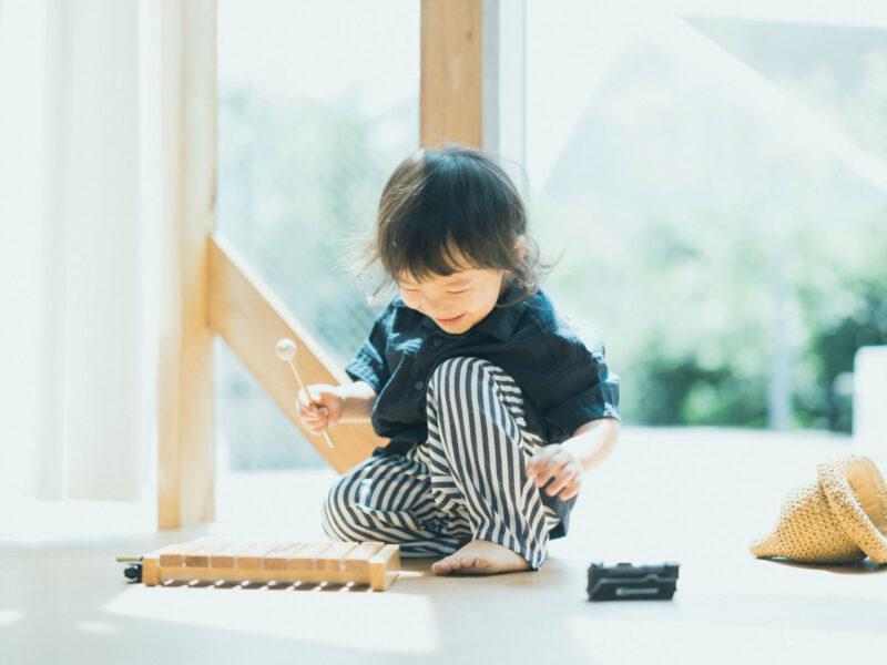 3歳バースデーフォト、こうせいくん!木琴、可愛いくせっ毛