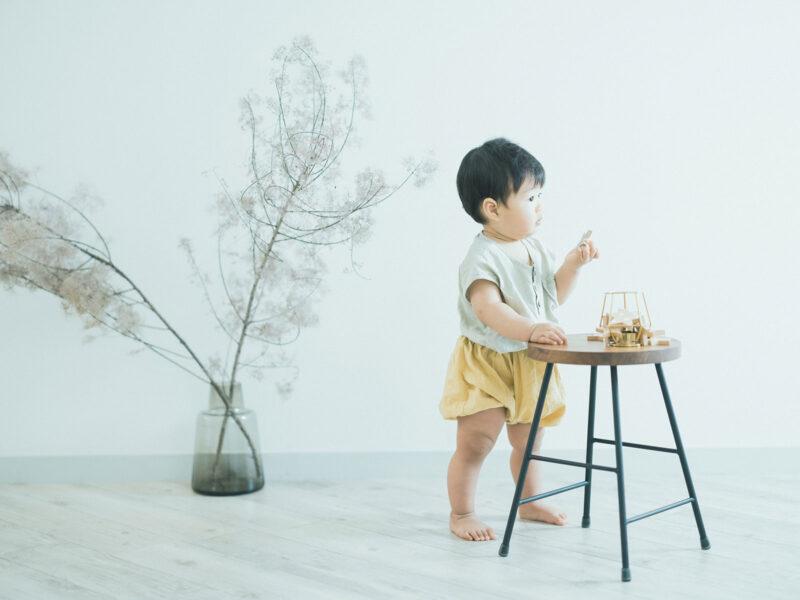 1歳バースデー、けいいちくん!つかまり立ち、スモークツリー