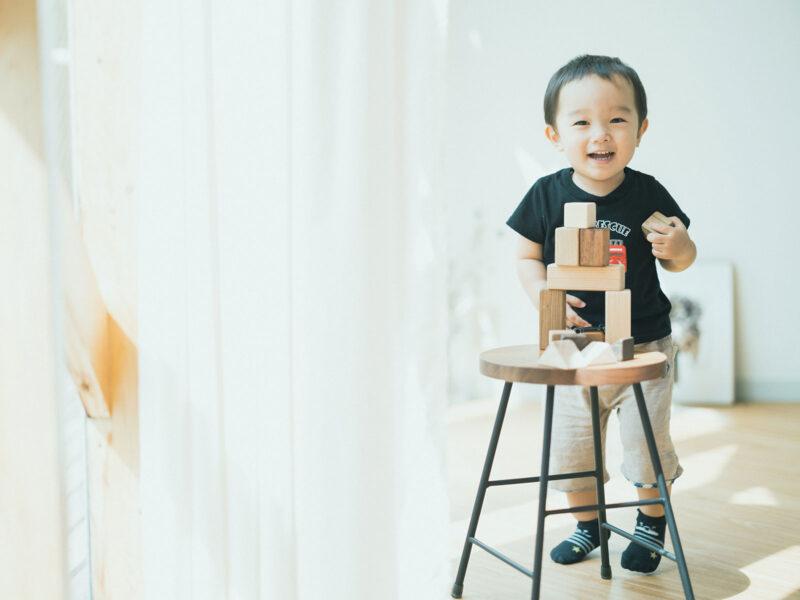 2歳バースデーフォト、さくくん!積み木
