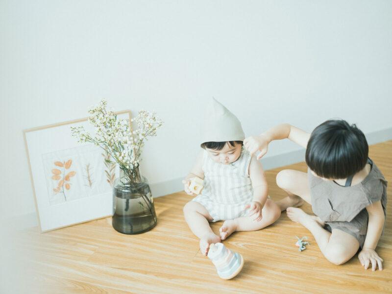 1歳バースデーフォト、ようすけくん!ボネット、兄弟写真