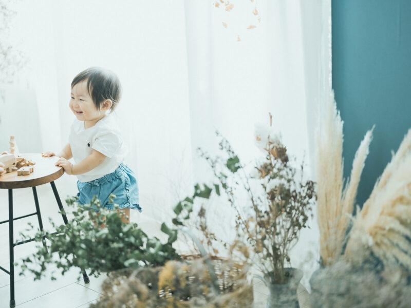1歳バースデーフォト、ことはちゃん!積み木